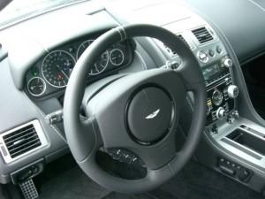 Aston Martin DBS Innenraum