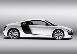 Audi R8 - weiß mit schwarzen Sideblades
