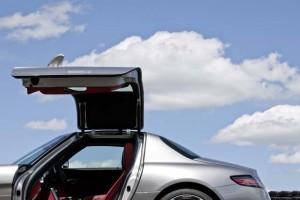 Mercedes Benz SLS AMG Fluegeltüren